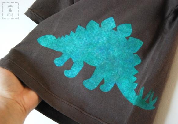DinoShirt2